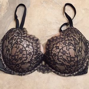 Victoria Secret Very Sexy Push Up Bra sz 40C